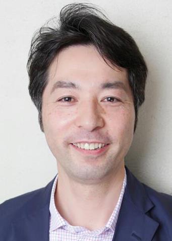 高野文雄コーチ_写真.jpg