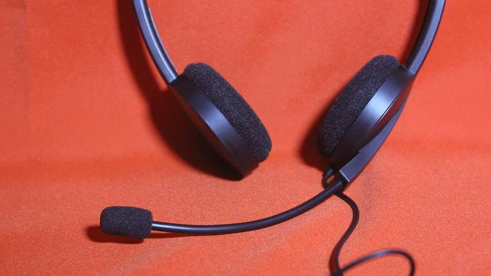 headset-707889_960_720.jpg